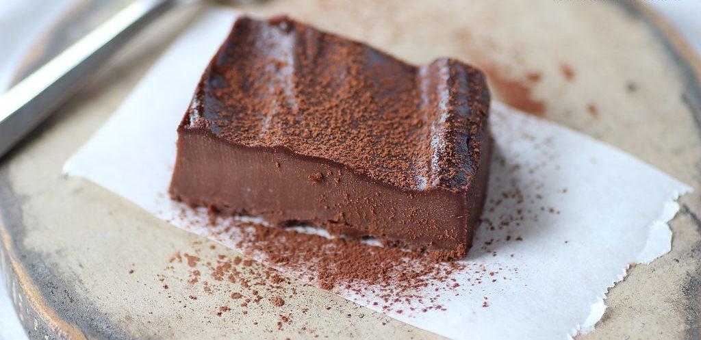 RAW Šokoladinis pudingas - sūrio pyragas